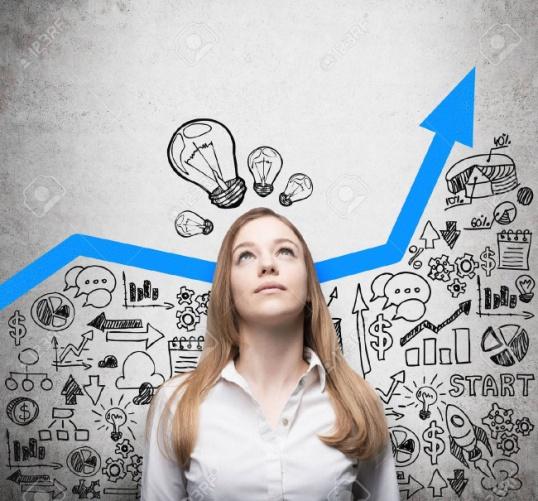 C:\Users\Vanessa\Desktop\43998926-business-lady-est-à-la-recherche-de-nouvelles-idées-d-affaires-flèche-bleue-croissante-en-tant-que-conc.jpg